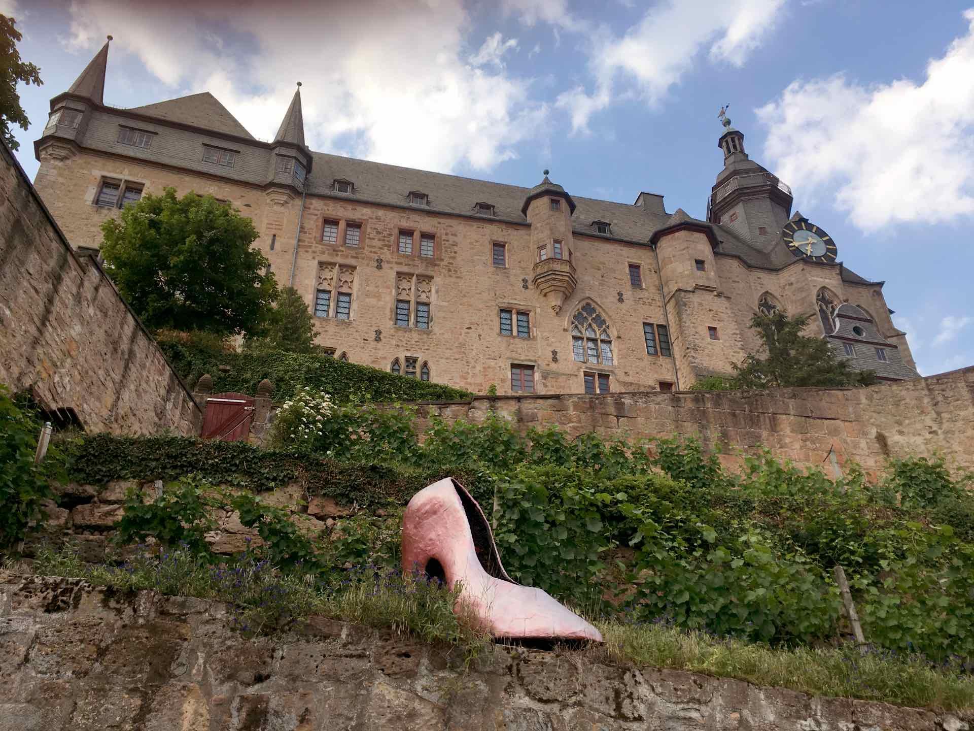 Het Landgrafenschloss van Marburg met de schoen van Assepoester