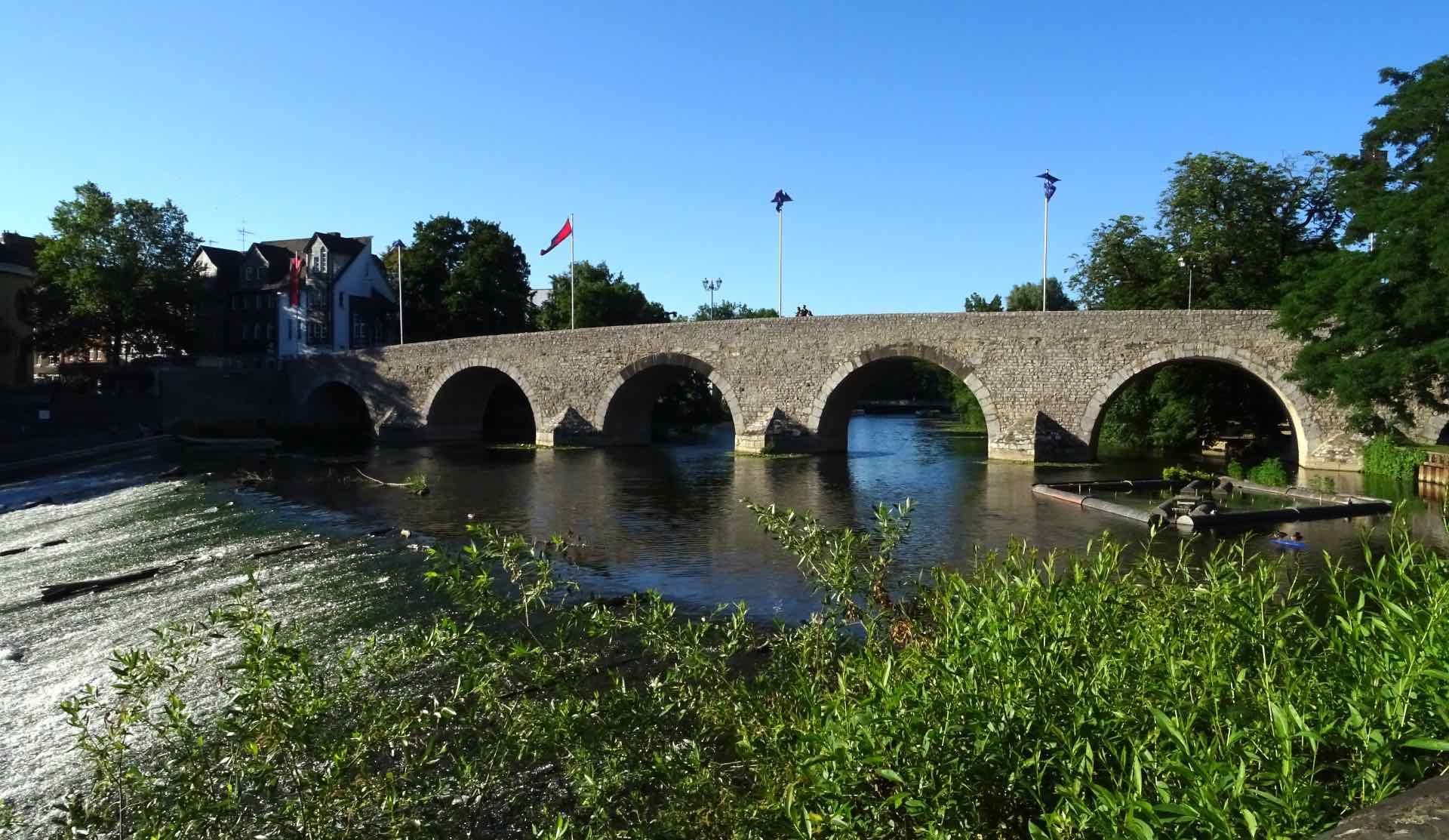 De Alte Lahnbrücke uit de 13de eeuw in Wetzlar